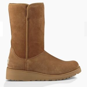 Ugg AMIE BOOT size 8